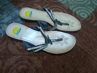 pair of white-and-blue sandals Amarillo, 79107