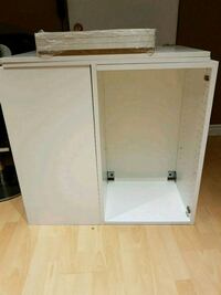 2 cabinets with doors, 4 shelves slow closing hing Toronto, M1E 3H9