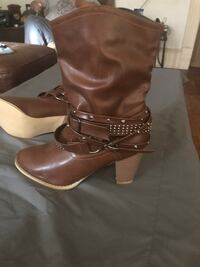 Brown ankle boots sz 8 Milwaukee, 53204