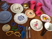 Lot of vintage collectible metal & plastic kids pretend play, plates cups cookie cutters El Mirage, 85335