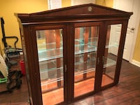 Ethan Allen China Hutch and Cabinet Algonquin, 60102