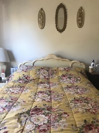 Queen size bed and mattress  2 km