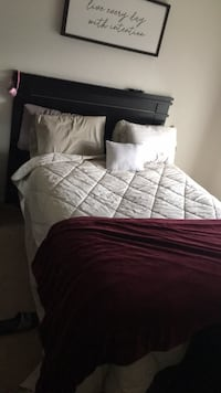 queen size bed w/Mattress& box spring Las Vegas, 89113