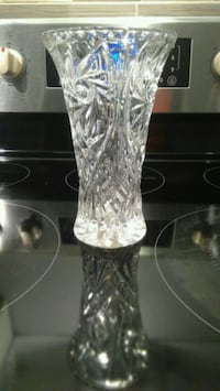 Glass flowerw vase
