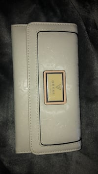 Guess wallet  Burlington, L7L 1C8