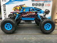 RC Crawler Competion Conquer 1/18th Scale Radio Controlled Toy Bundle