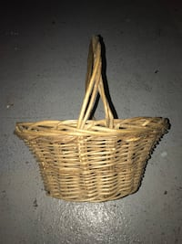 Large wicker basket  Council Bluffs, 51503