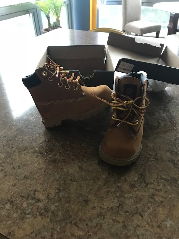 Timberlands size 7c