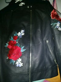 black and red floral zip-up jacket Crosby, 77532