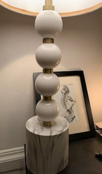 Lamp (marble/plastic/cotton) base New York, 10075