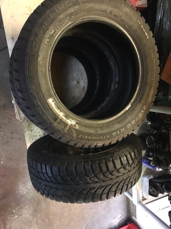 Winter tires 215 60 R16 with one rim