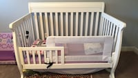 Baby's white wooden crib Sterling, 20165