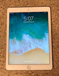 iPad Air 2 WiFi + Cellular Gold with wireless keyboard case + charger