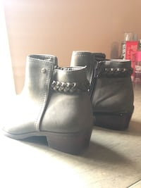 Hollister booties Salinas, 93905