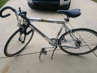 schwinn 14speed varsity rode 3 times exellent condition mint Lexington Park, 20653