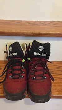 red-and-black Timberland work boots size 10