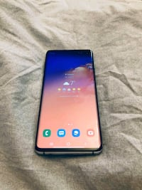 MINT CONDITION 128 GB SAMSUNG GALAXY S10!
