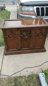 Antique stereo 8track player and record player Wichita, 67217