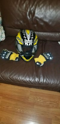 Large motorcycle helmet and xl gloves Arlington, 22206