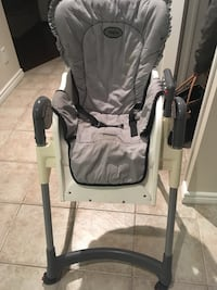 baby's white and gray swing chair Whitby, L1P 0A4