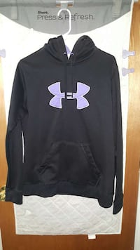 Under Armour pull over hoodie Chicago, 60618