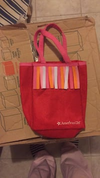 American girl doll carrying bag only $12... so much more American girl for sale. Laval, H7Y 2C1