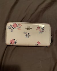 white and pink floral leather wristlet Scottsdale, 85257