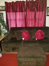 Brown 3 piece set with throw pillows 70 km