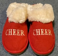 Red Cheer Christmas Slippers Womans Medium  Middletown, 21769