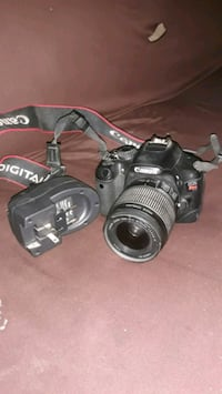 Canon EOS rebel T2i with charger