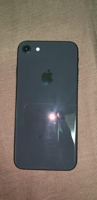 iPhone 8 64gb LIKE NEW Taylor, 48180