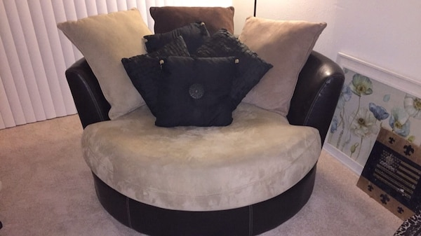 My Super Comfy Circular Loveseat That Spins 360 Degrees Needs A New Home