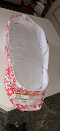 Baby's white and pink floral bassinet New Bedford, 02740