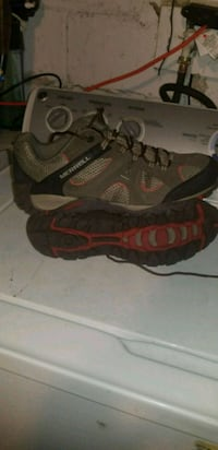 pair of gray-and-orange hiking shoes Fostoria, 44830