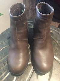 Leather waterproof Size 8 boots! Shoes Like New! Albuquerque, 87112