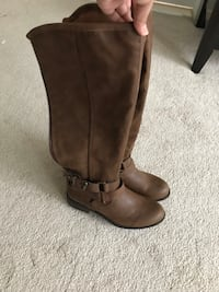 pair of brown leather boots Dumfries, 22025