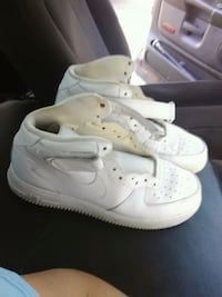 pair of white Nike Air Force 1 low shoes Prairieville, 70769