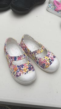 toddler girl's pair of blue-pink-and-yellow floral mary janes flats Bexley, 43209