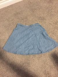 Ladies denim skirt- XS Calgary, T3P 0R6