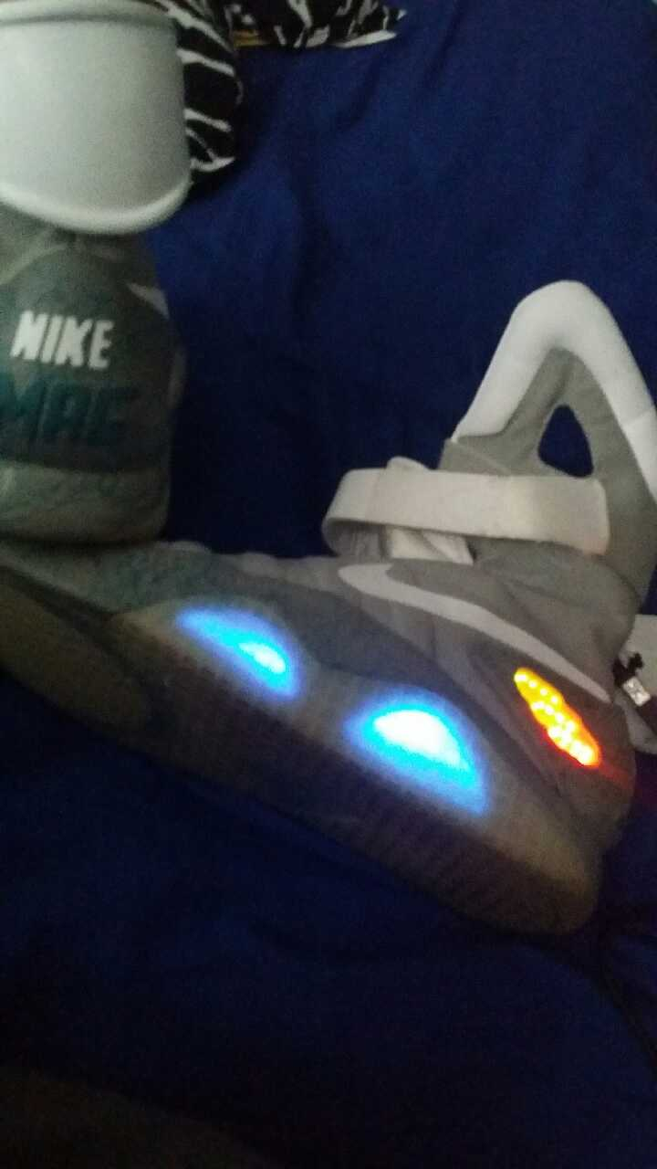 Look Back At The 2011 Release of Nike Mag | HYPEBEAST