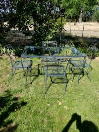 black metal framed patio table set Corning, 96021