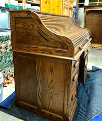 Oak Roll Top Desk made by Smith Furniture Makers, CA. Rockford, 55373