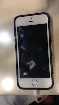 iPhone. 5s. For. Sale. 135$ locked. To bell