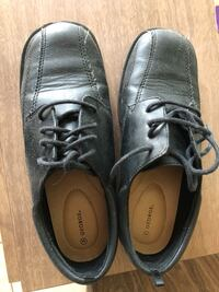 Pair of black leather shoes Eureka, 61530
