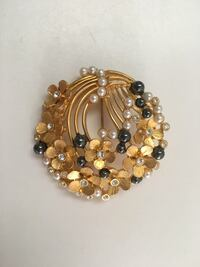 Vintage Brooch, about 5cm in diameter Vaughan, L4J 7Z3