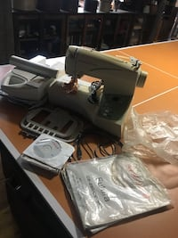 Singer futura sewing embroidery machine Hagerstown, 21740
