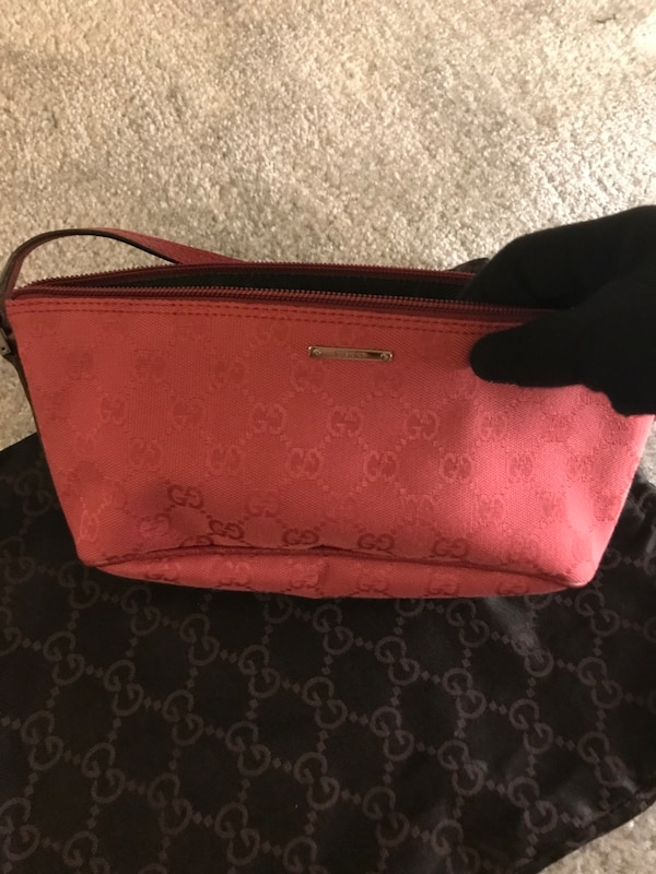 Used Authentic Gucci canvas shoulder bag for sale in Los Angeles - letgo 9ed9c5fbdc711