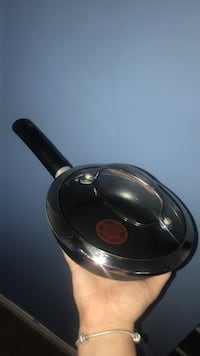 kitchenaid frying pan Oakville, L6M
