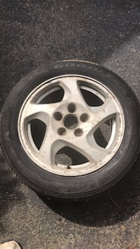 Off prelude tire good still has life 205/55r16 on prelude rim Poughkeepsie, 12603