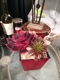 Red themed table arrangement Irving, 75061